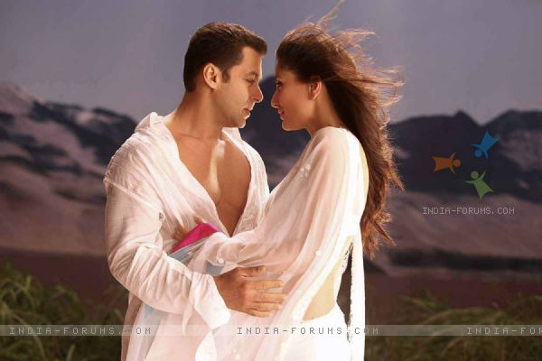 Kareena Kapoor & Salman Khan in the movie Bodyguard